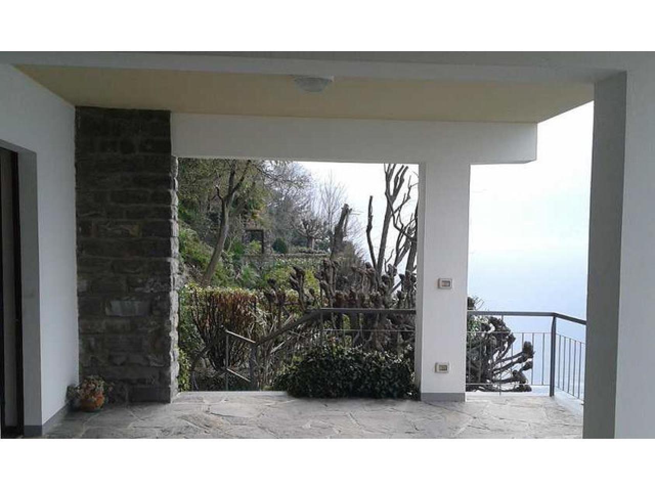 Вилла в городе Ленно (Италия) на озере Комо - 7