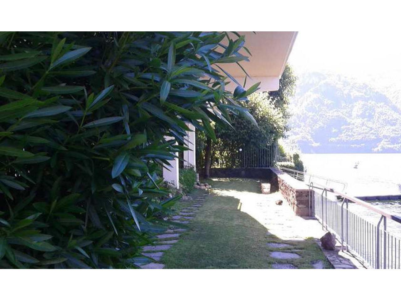 Вилла в городе Ленно (Италия) на озере Комо - 9