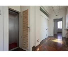 Апартаменты в старинном особняке в историческом центре города Комо (Италия) - Image 6