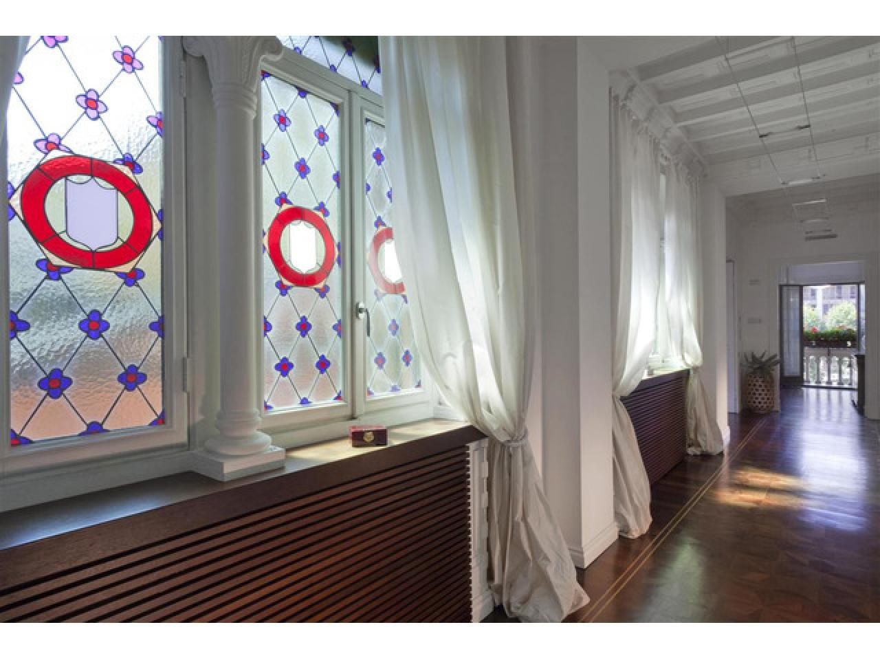 Апартаменты в старинном особняке в историческом центре города Комо (Италия) - 7