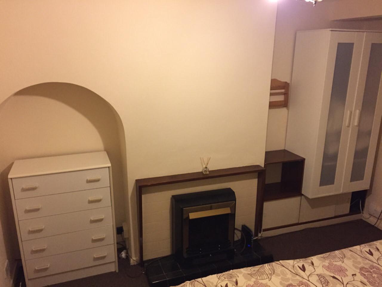 Сдаётся double комната Chadwell Heath - 2