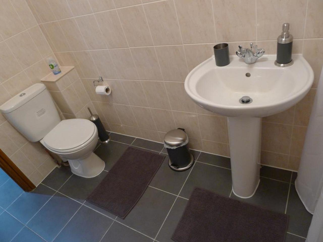 Требуется работоспособная уборщица в новый мини отель, хорошие условия - 4