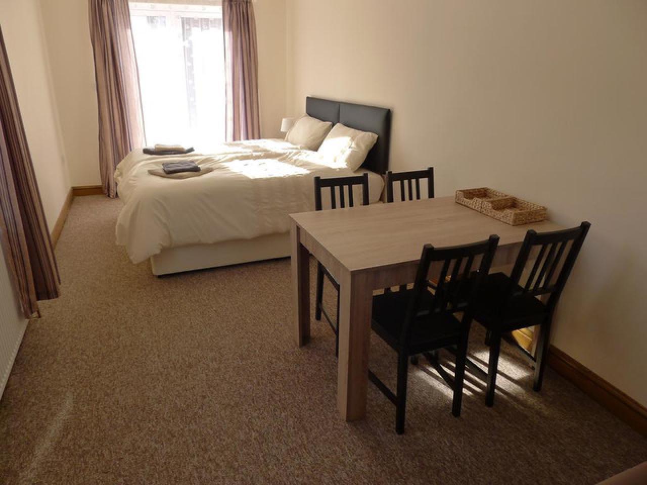 Требуется работоспособная уборщица в новый мини отель, хорошие условия - 5