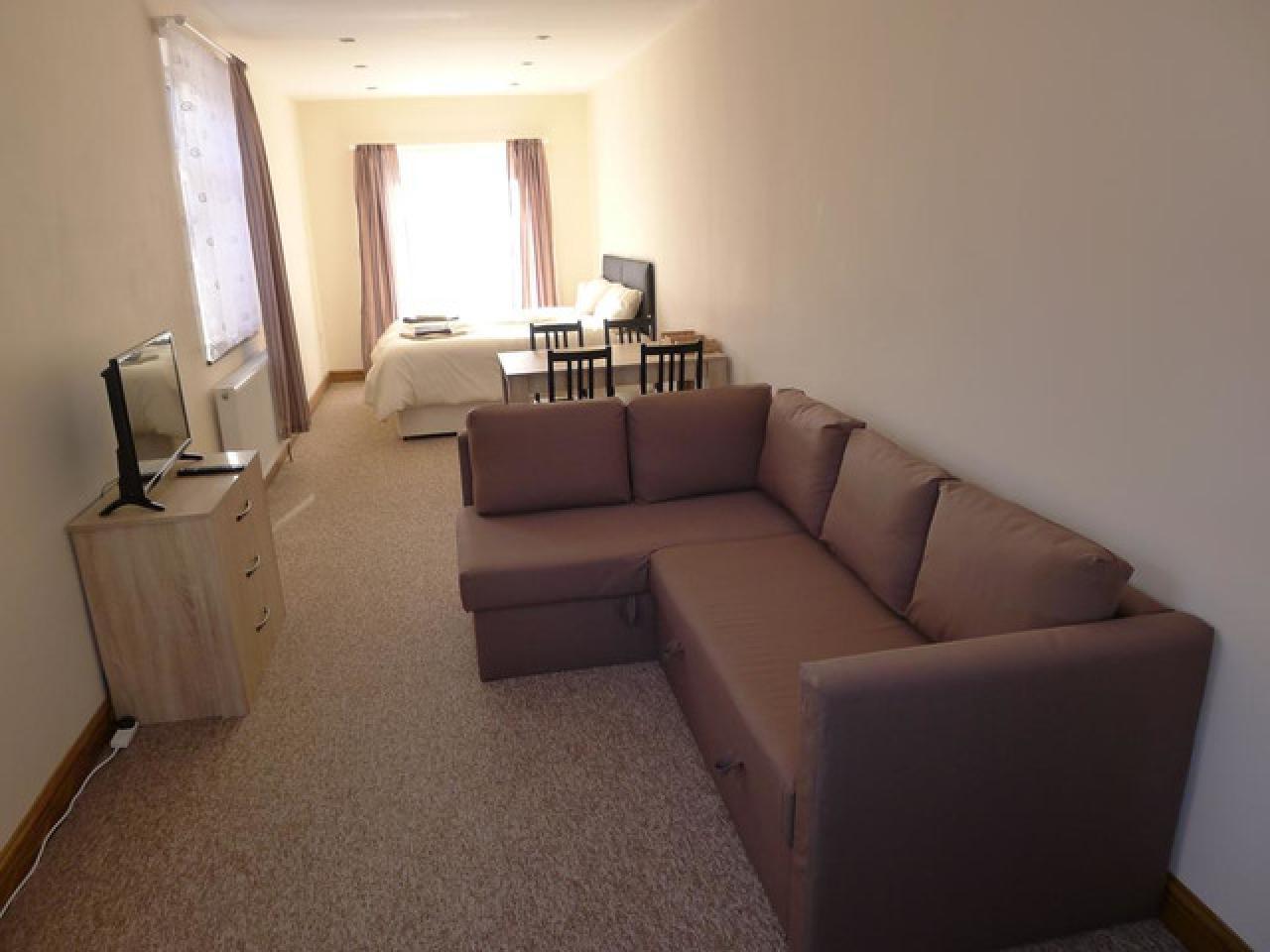 Требуется работоспособная уборщица в новый мини отель, хорошие условия - 6