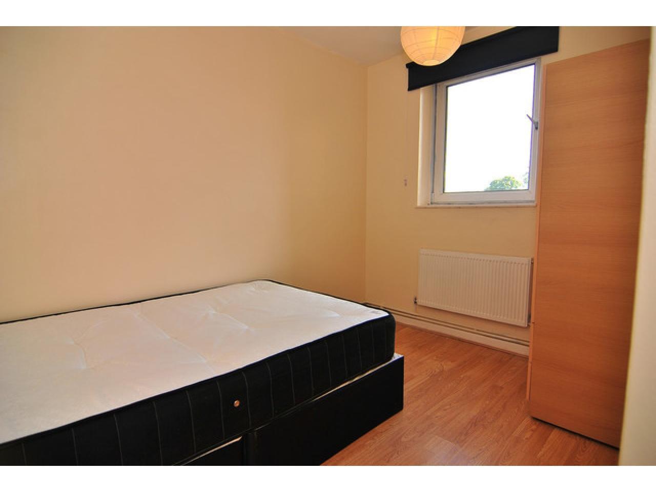 Single Room in Greenwich - 3