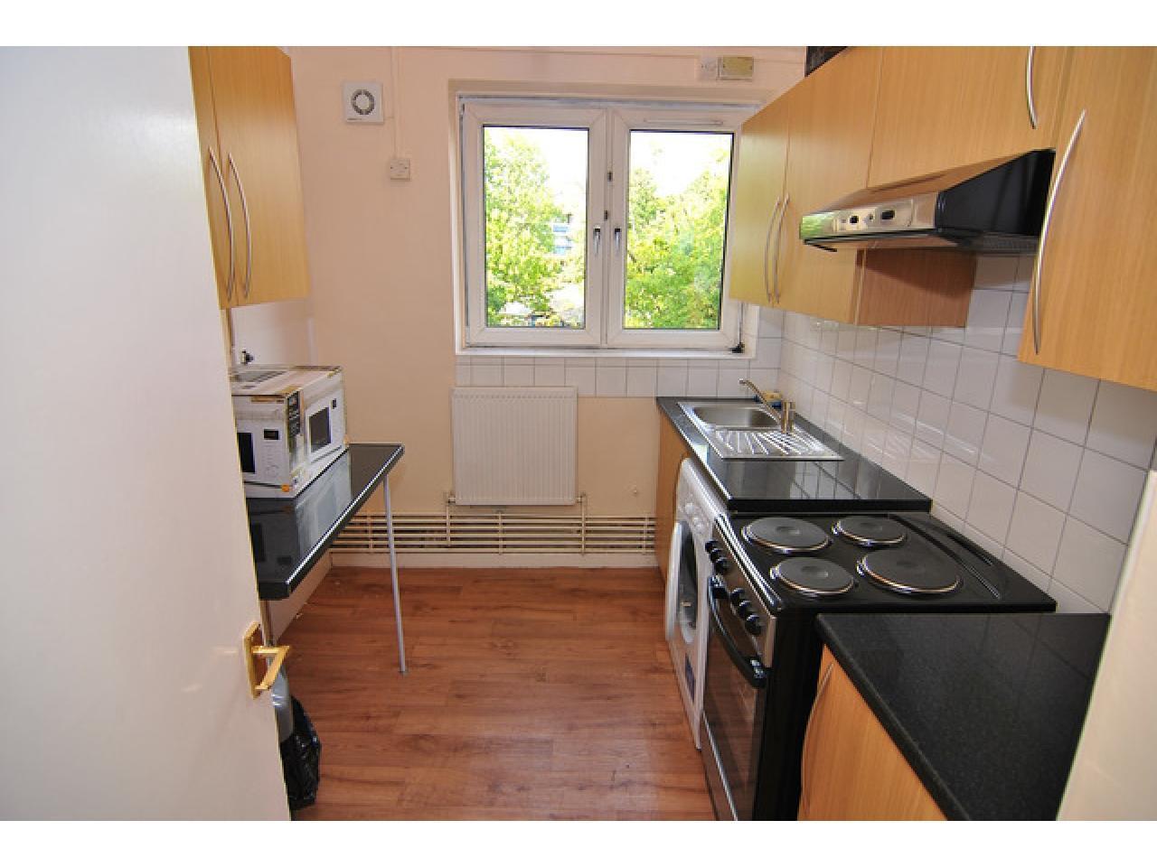 Single Room in Greenwich - 8