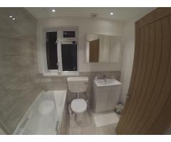Double Room Feltham - Image 7