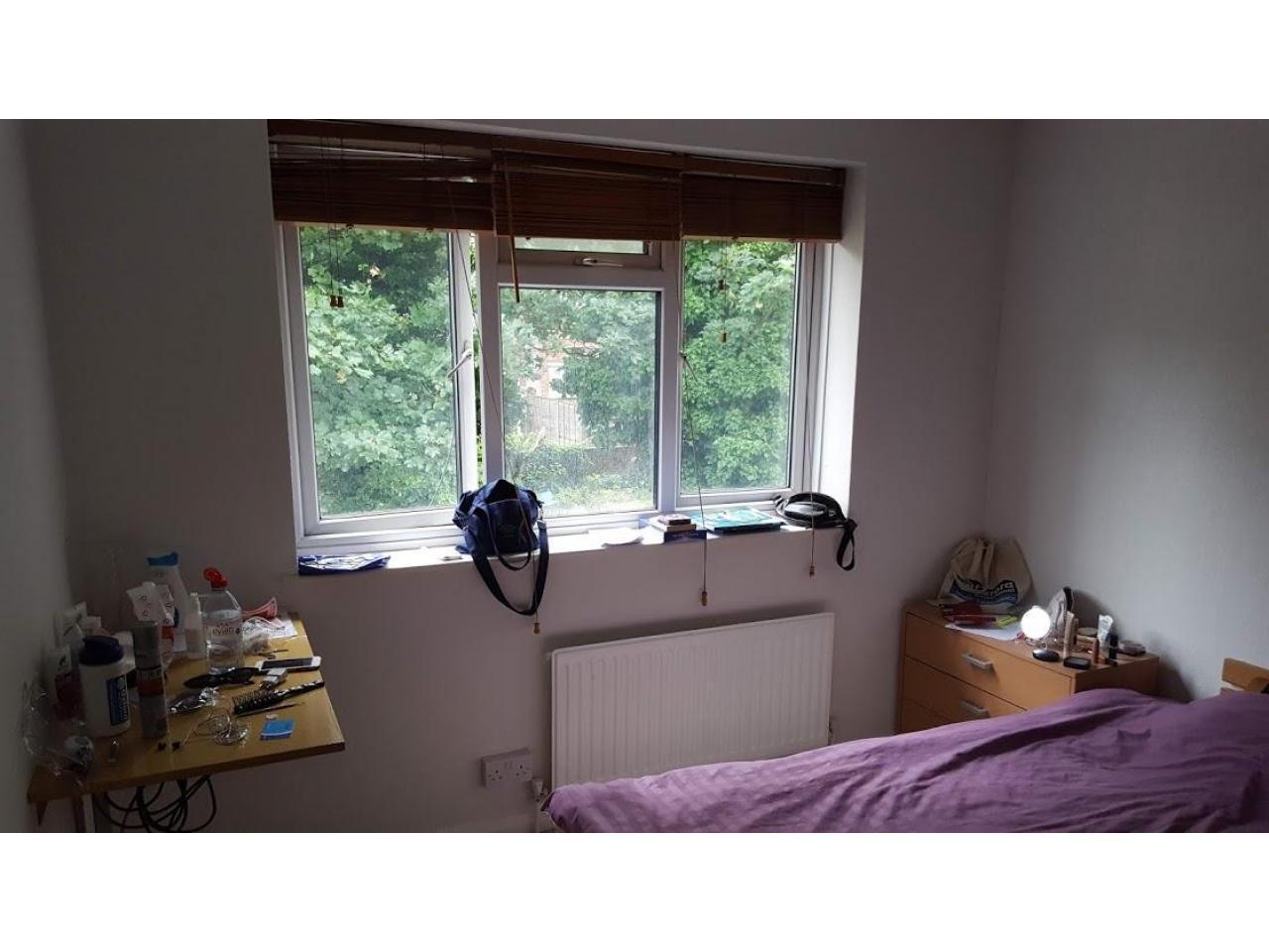 Сдаётся двухместная, чистая комнатa для девушки - 4