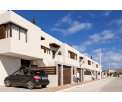 Недвижимость в Испании, Новые бунгало рядом с морем от застройщика в Сан-Педро-дель-Пинатар - Image 1