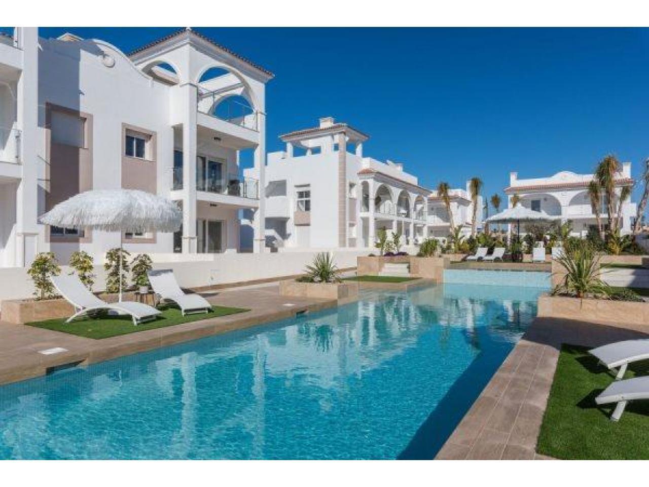 Недвижимость в Испании, Новые бунгало от застройщика в Сьюдад Кесада,Коста Бланка,Испания - 1