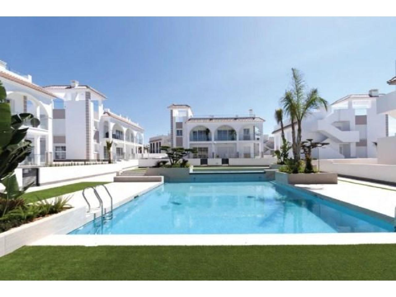 Недвижимость в Испании, Новые бунгало от застройщика в Сьюдад Кесада,Коста Бланка,Испания - 3