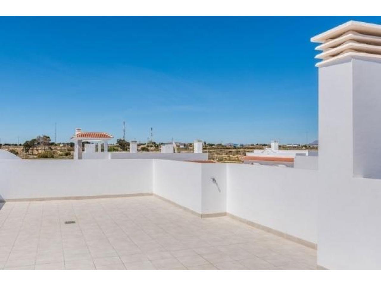 Недвижимость в Испании, Новые бунгало от застройщика в Сьюдад Кесада,Коста Бланка,Испания - 4
