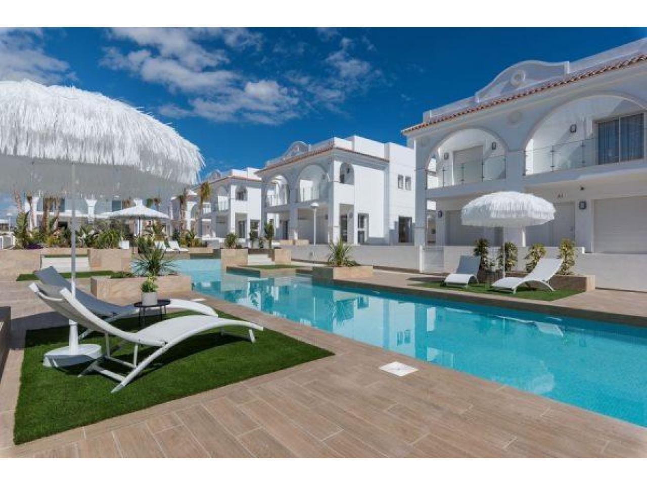 Недвижимость в Испании, Новые бунгало от застройщика в Сьюдад Кесада,Коста Бланка,Испания - 10