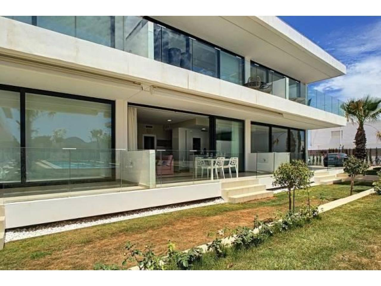 Недвижимость в Испании, Новые бунгало с видами на море от застройщика в Ла Манга - 4