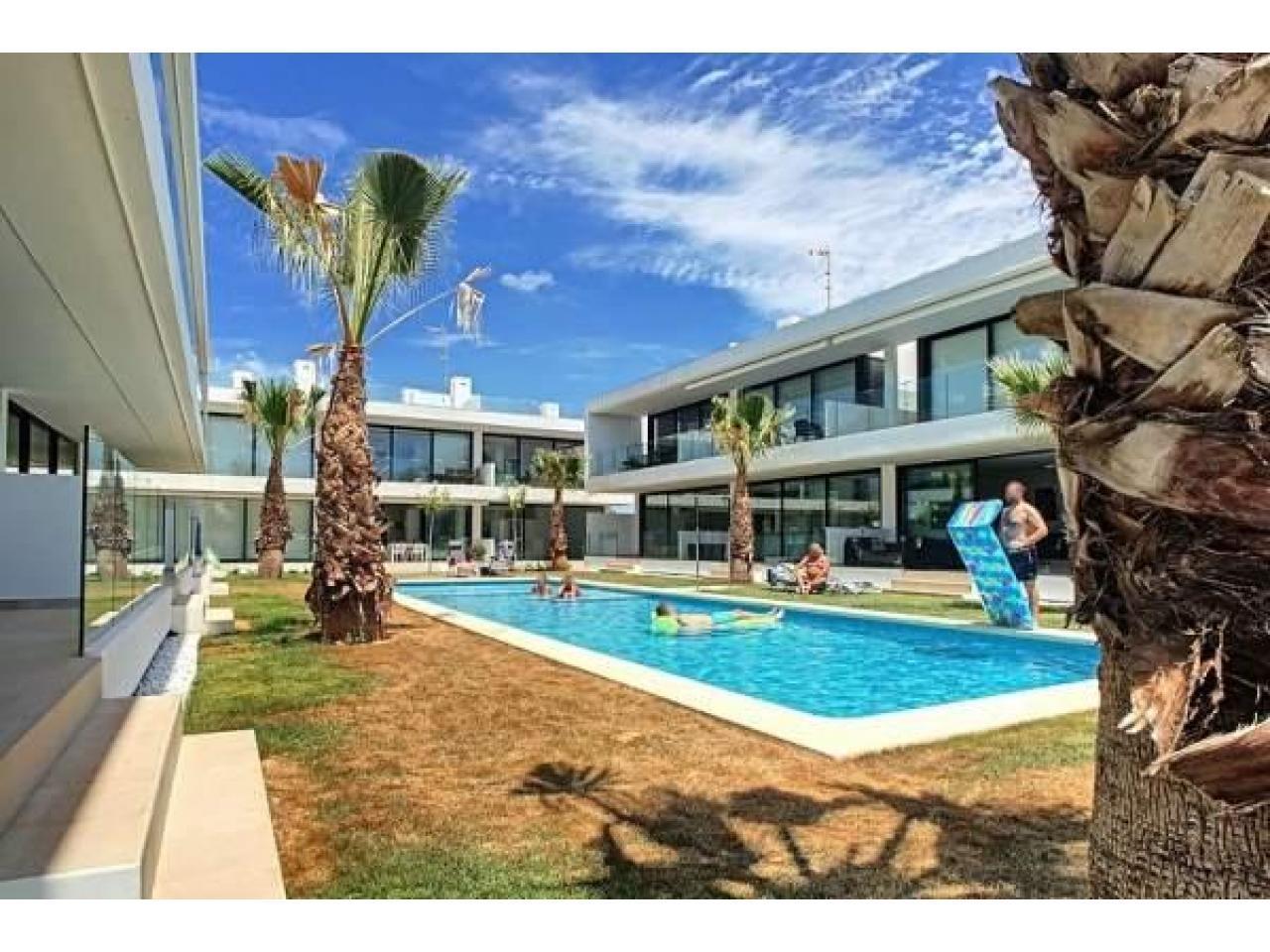 Недвижимость в Испании, Новые бунгало с видами на море от застройщика в Ла Манга - 10