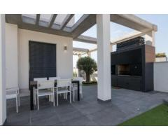 Недвижимость в Испании, Новая вилла рядом с морем от застройщика в Кампельо - Image 9