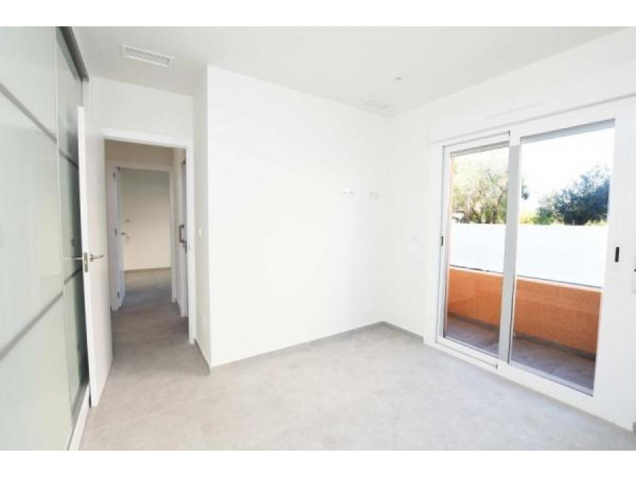 Недвижимость в Испании, Новые квартиры рядом с пляжем от застройщика в Ла Мата,Торревьеха - 2