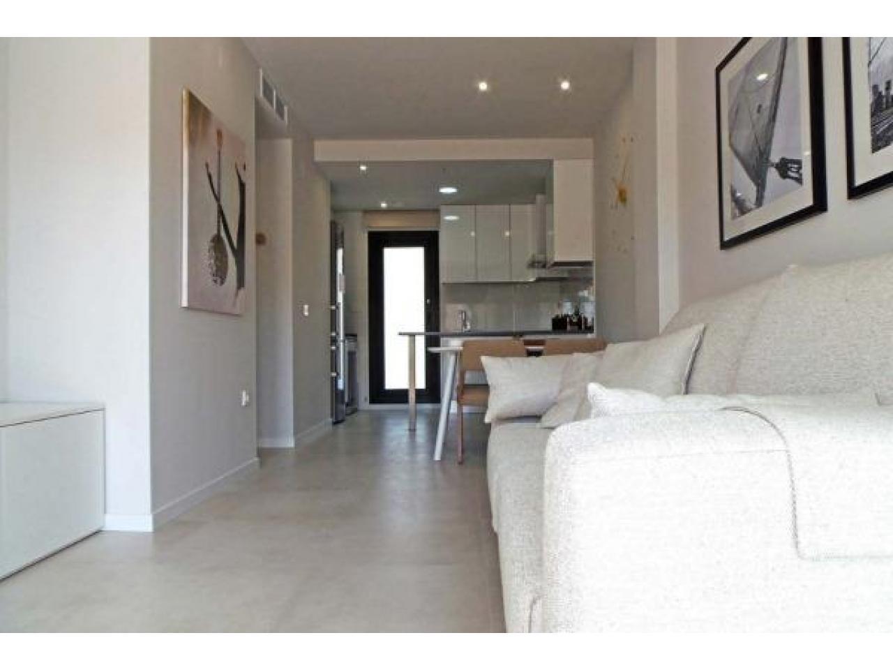 Недвижимость в Испании, Новые бунгало рядом с пляжем от застройщика в Миль Пальмерас - 2
