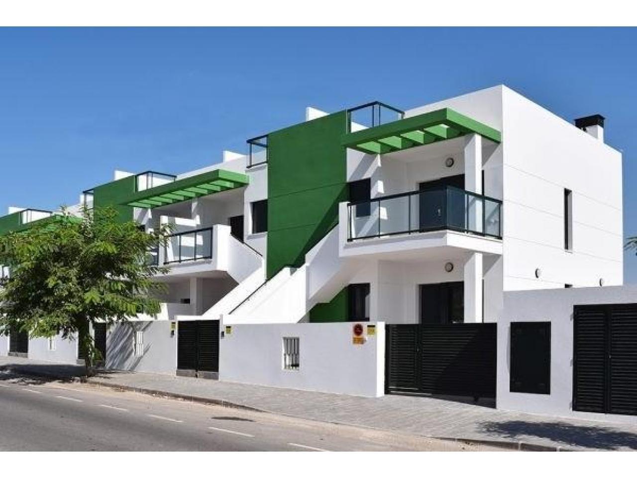Недвижимость в Испании, Новые бунгало рядом с пляжем от застройщика в Миль Пальмерас - 3