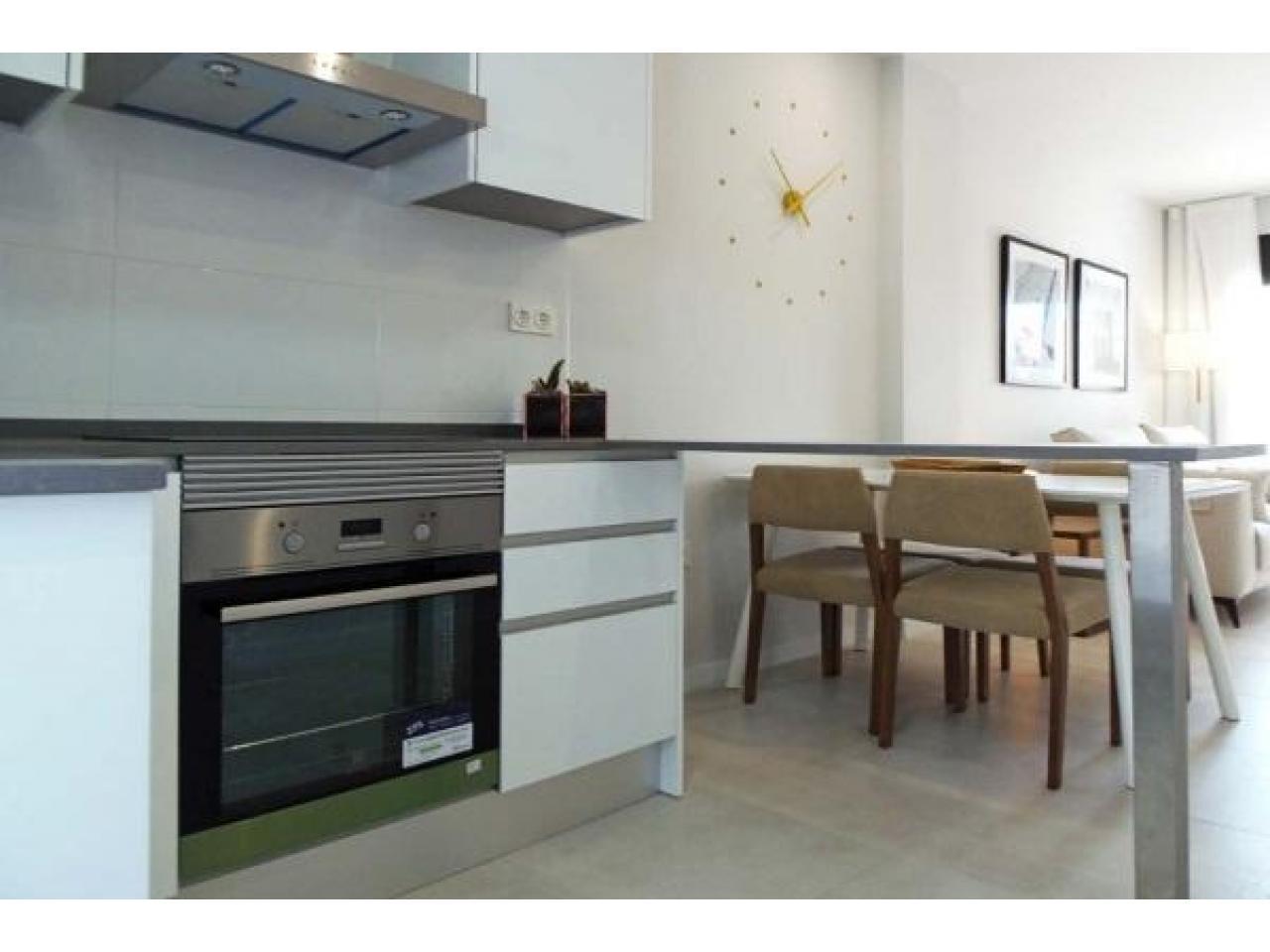 Недвижимость в Испании, Новые бунгало рядом с пляжем от застройщика в Миль Пальмерас - 9