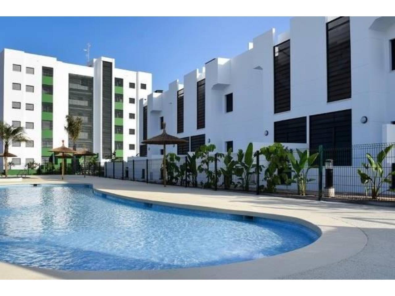 Недвижимость в Испании, Новые бунгало рядом с пляжем от застройщика в Миль Пальмерас - 10