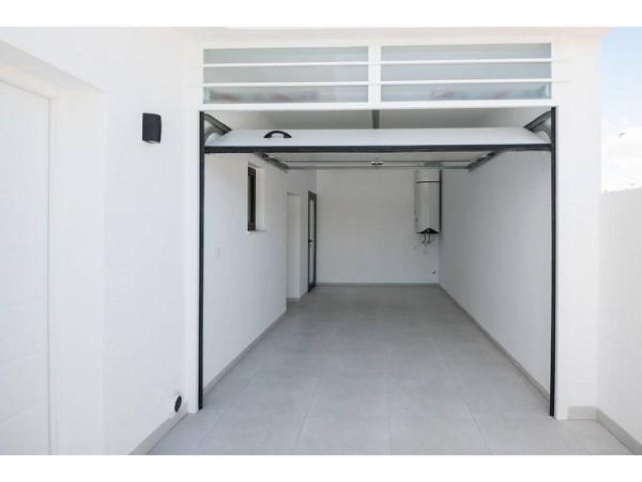 Недвижимость в Испании, Новая вилла рядом с пляжем от застройщика в Сан-Хавьер - 9