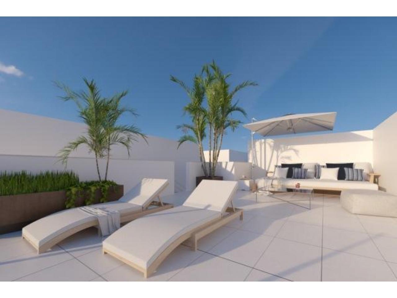Недвижимость в Испании, Новая вилла рядом с пляжем от застройщика в Лос Алькасарес - 3