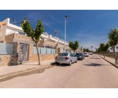 Недвижимость в Испании, Новая вилла рядом с пляжем от застройщика в Лос Алькасарес - Image 8