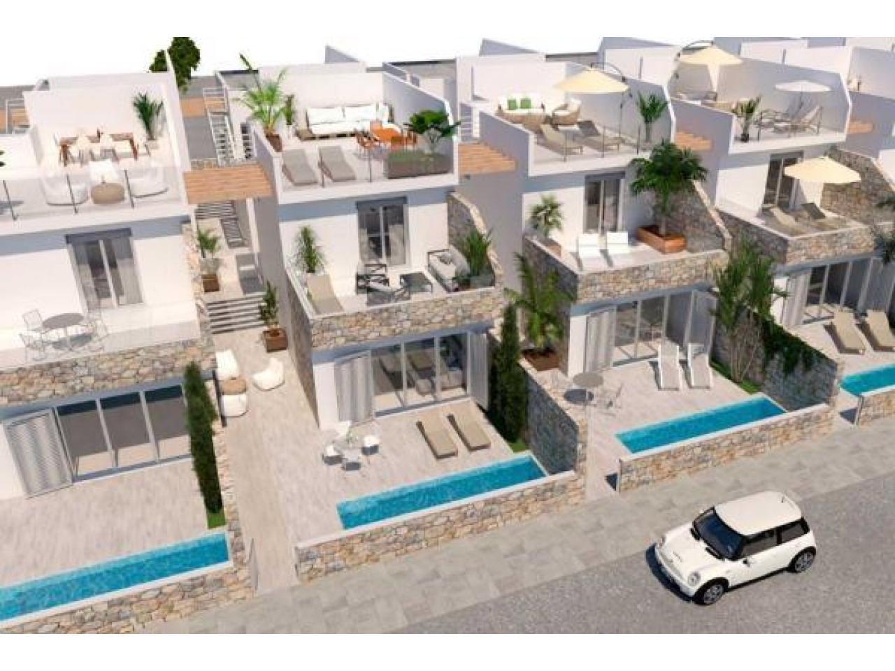 Недвижимость в Испании, Новая вилла рядом с пляжем от застройщика в Лос Алькасарес - 10