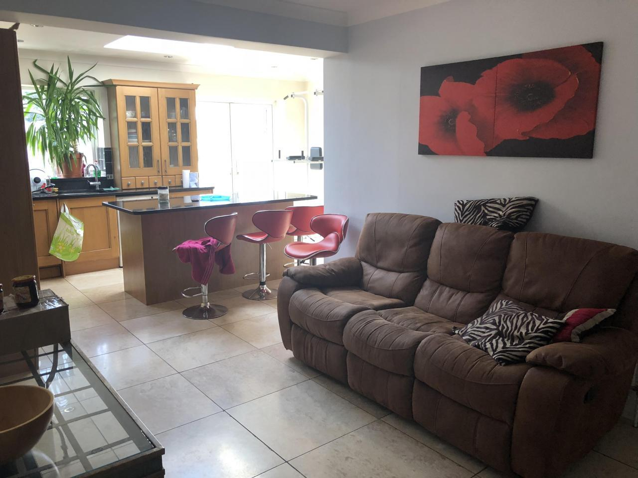 Double room  in Hayes and Harlington - 4