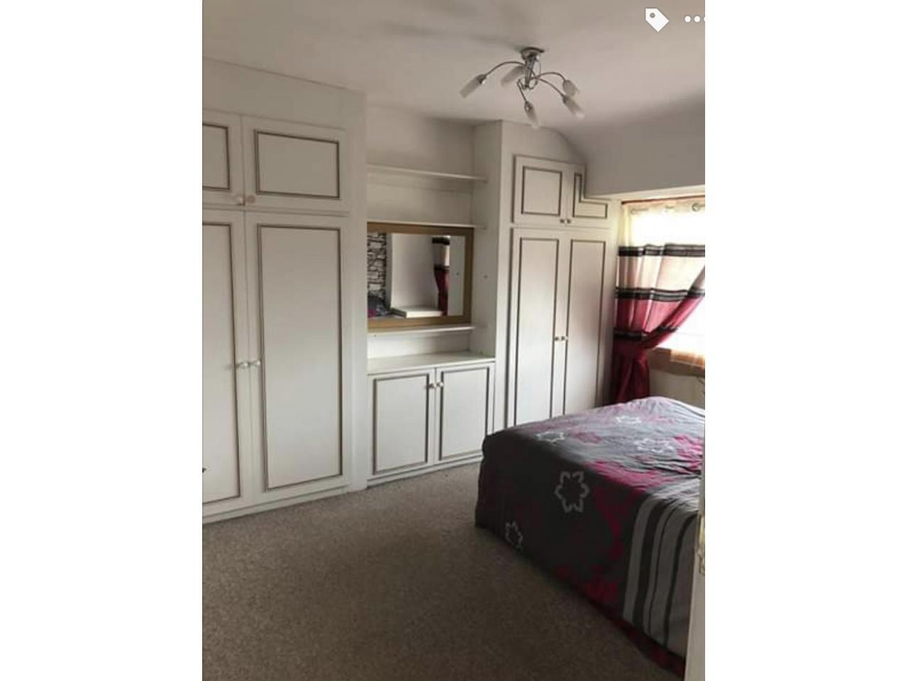Double room  in Hayes and Harlington - 5