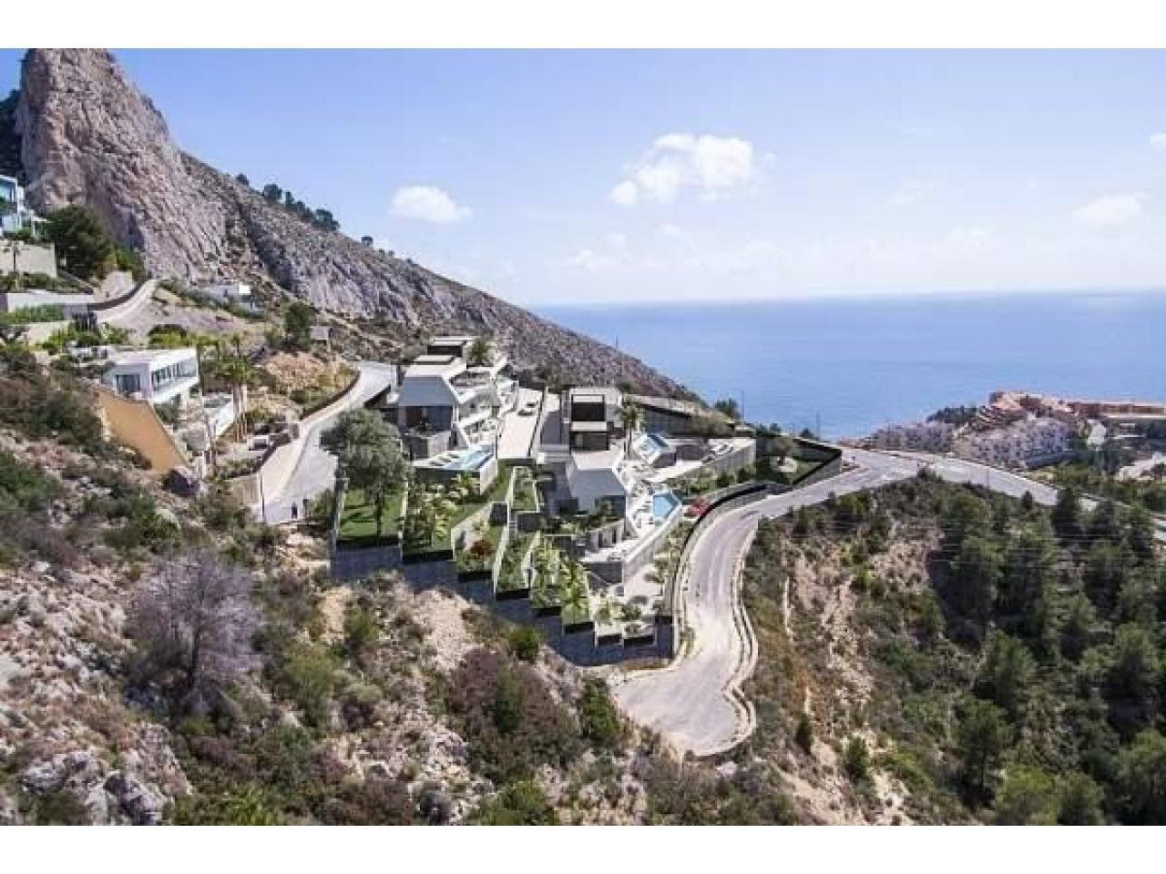 Недвижимость в Испании, Новая вилла с видами на море от застройщика в Альтеа,Коста Бланка,Испания - 2