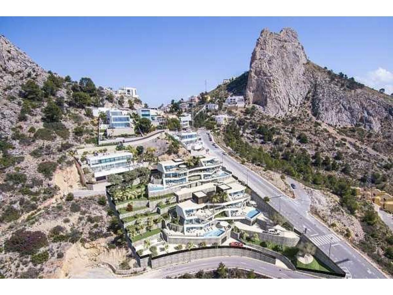 Недвижимость в Испании, Новая вилла с видами на море от застройщика в Альтеа,Коста Бланка,Испания - 4