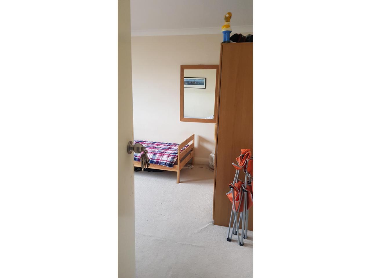 Сингл и Дабл комнаты в аренду £80, £145 и £150 в неделю. - 1