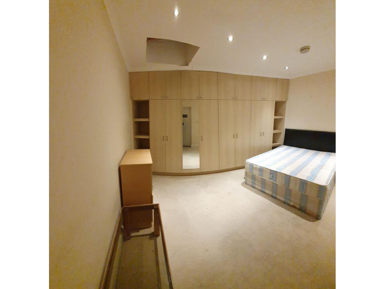 Сингл и Дабл комнаты в аренду £80, £145 и £150 в неделю. - 9