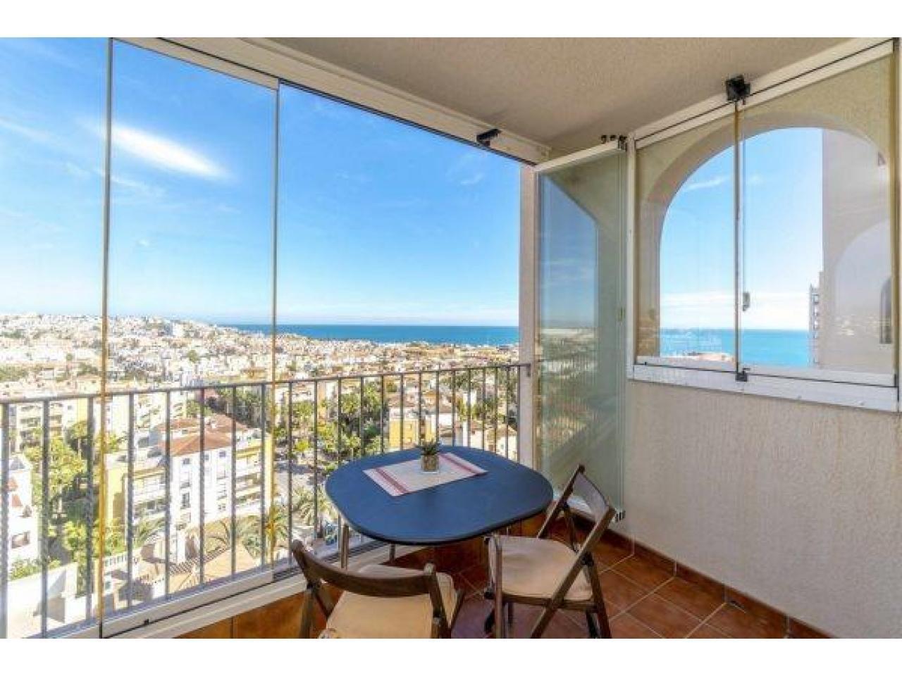 Недвижимость в Испании, Квартира с видом на море в Торревьеха,Коста Бланка,Испания - 1