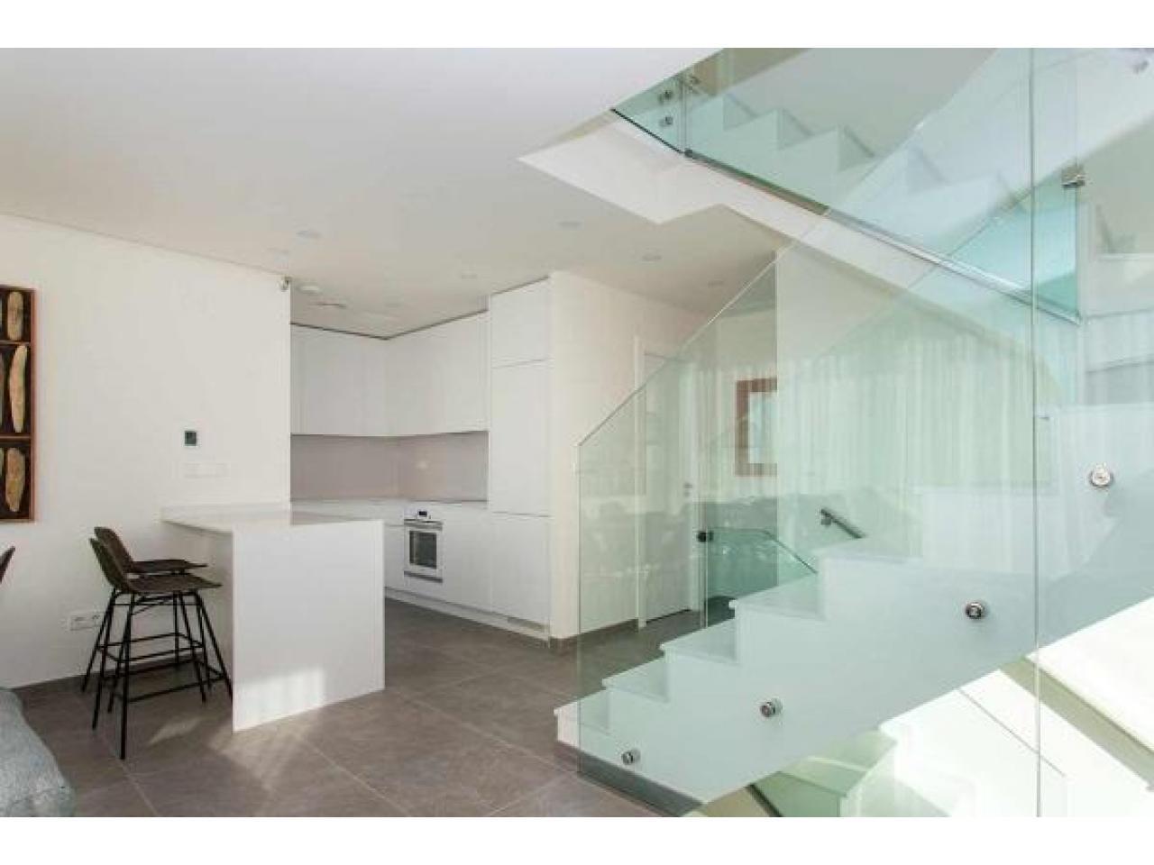 Недвижимость в Испании, Новая вилла рядом с пляжем от застройщика в Торревьеха,Коста Бланка,Испания - 5
