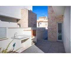 Недвижимость в Испании, Новая вилла рядом с пляжем от застройщика в Торревьеха,Коста Бланка,Испания - Image 9