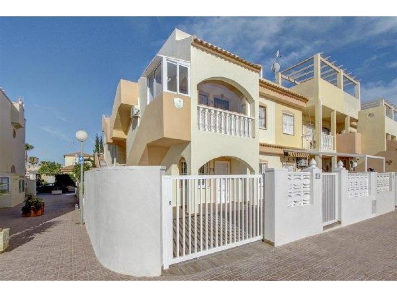 Недвижимость в Испании, Бунгало в Ориуэла Коста,Коста Бланка,Испания - 1