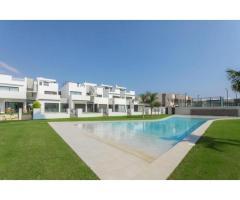 Недвижимость в Испании, Новые бунгало рядом с пляжем от застройщика в Торре де ла Орадада - Image 1
