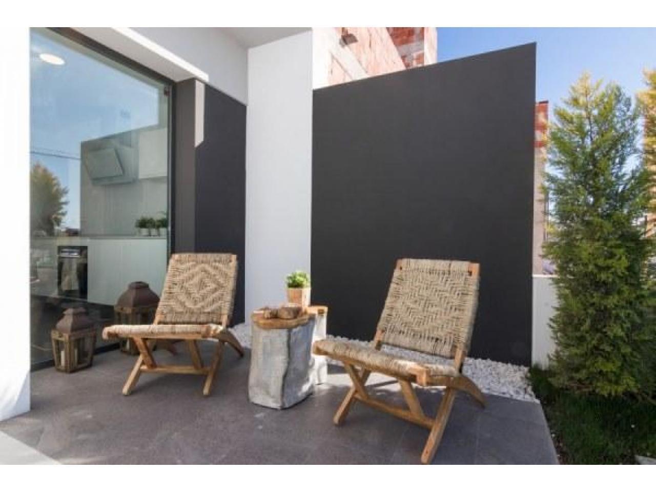Недвижимость в Испании, Новые бунгало рядом с пляжем от застройщика в Торре де ла Орадада - 4